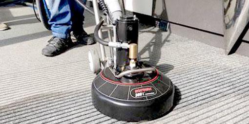 Čištění koberců a hloubkové čištění koberců