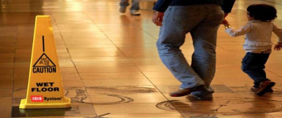 Protiskluzová ochrana dřevěných podlah