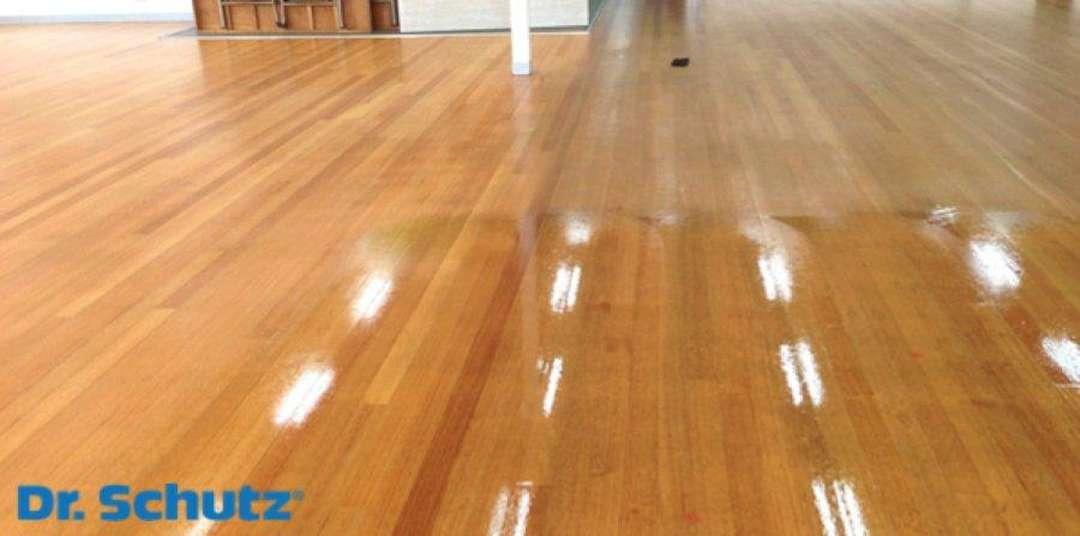 Voskování vinylových PVC podlah